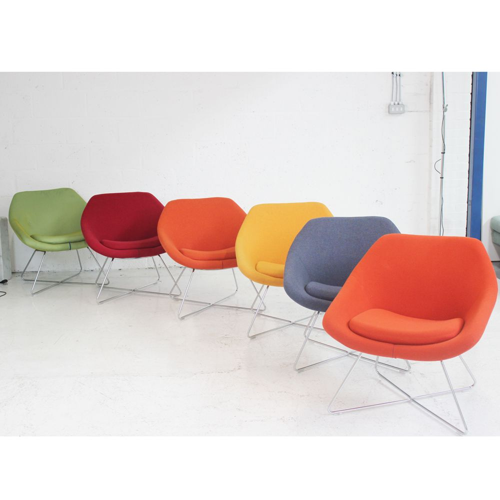 Allermuir Open Lounge Chair  soft seating  circular seating